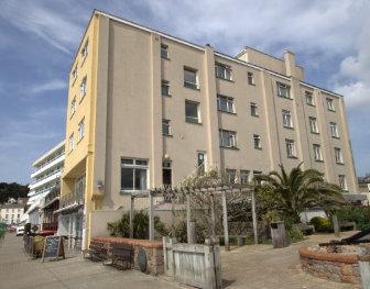 Marina Metro Hotel