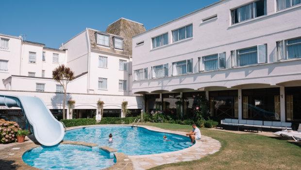 Apollo Hotel Jersey 01